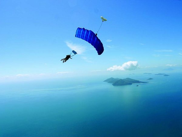 SKYDIVE THE REEF CAIRNS 1