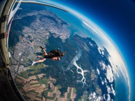 Things to do Cairns Queensland - Skydiving