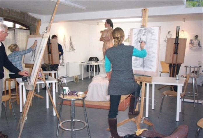 Things to do in Melbourne Victoria - Life Drawing