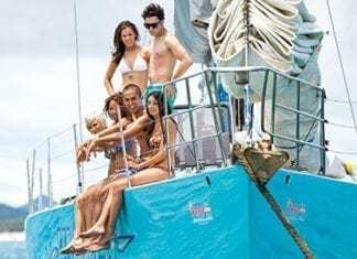 people on a boat sailing the whitsundays