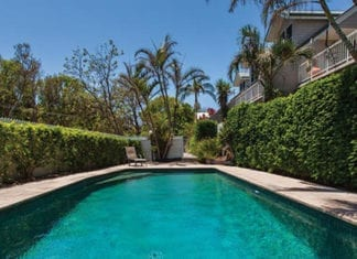 villa with swimming pool in Byron Bay
