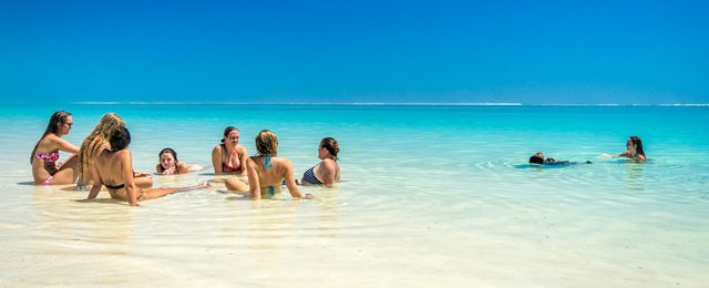 Paradise Tour of Whitsunday Islands with Red Cat Adventures