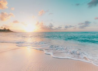 Ways A Responsible Travel Can Make Beaches Eco-Friendly