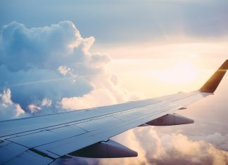 Tips to Fight Your Flying Fears While Travelling